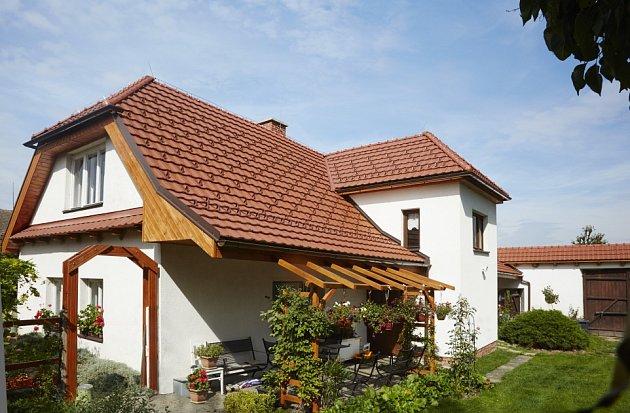 Taška Figaro 11 vytváří na střeše dokonale hladkou strukturou.