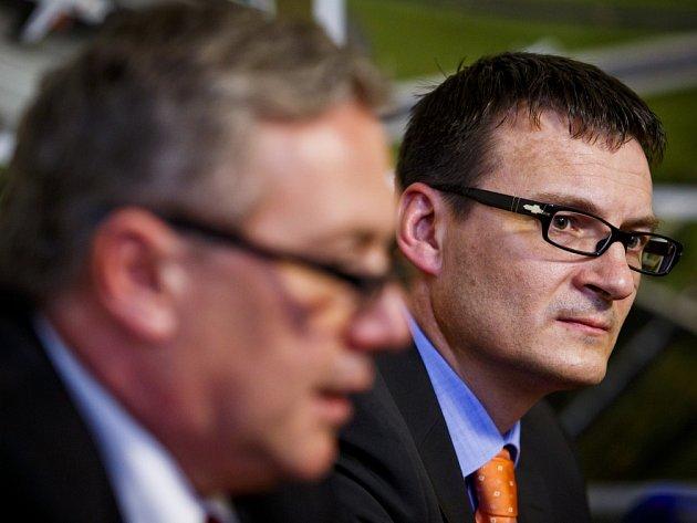 Nový generální ředitel Ředitelství silnic a dálnic (ŘSD) Jan Kubiš (na snímku) vystoupil 3. dubna v Praze na společném briefingu s ministrem dopravy Antonínem Prachařem.