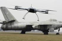 Vojenský technický ústav (VTÚ) vyvinul nový bezpilotní prostředek Brus. Určen je především pro záchranné a humanitární účely.