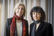 Biochemičky zleva Jennifer Doudnaová z USA a Emmanuelle Charpentierová