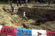 Experti v Bosně identifikovali 162 obětí války z let 1992-1995, jejichž ostatky byly nalezeny v roce 2010 na dně vypuštěného jezera.