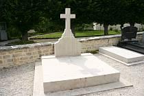 Hrob Charlese de Gaulla v obci Colombey-les-Deux-Eglises