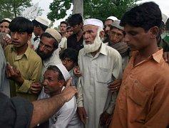Pákistánští uprchlíci z oblasti údolí Svát