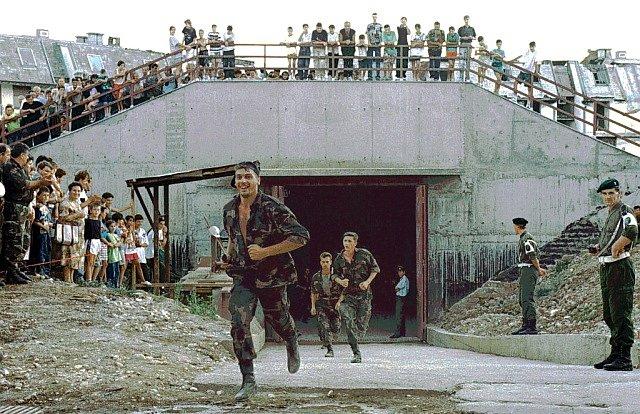Tunel na sarajevském letišti, kterým bylo možné zásobovat obléhané Sarajevo