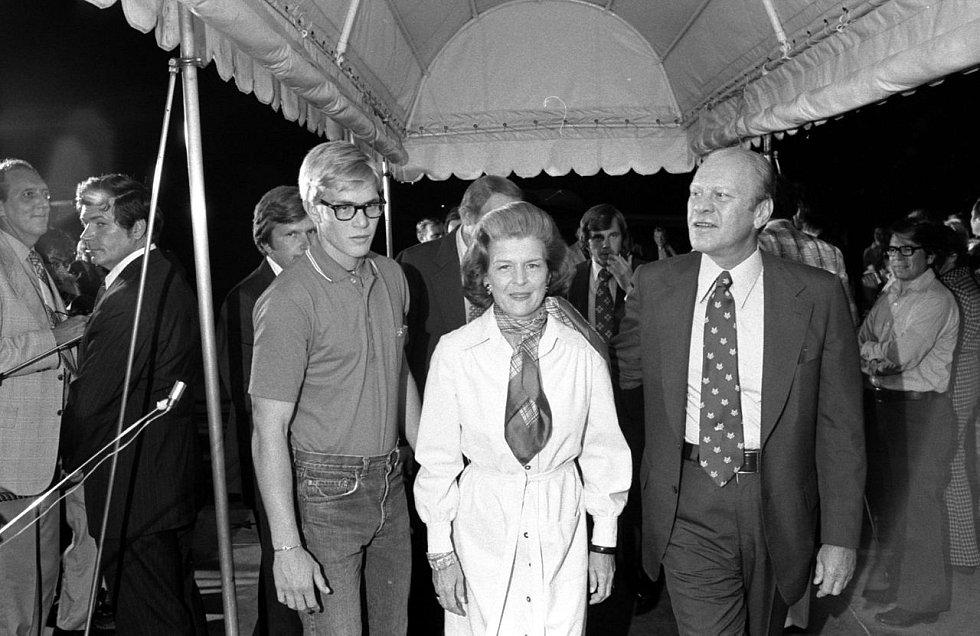 Po příletu do Bílého domu se Gerald Ford opět setkal s rodinou