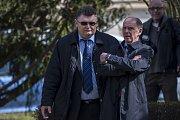 Krajský soud v Praze vynesl 7. dubna první rozsudky v části kauzy bývalého poslance a středočeského hejtmana Davida Ratha a dalších deseti obžalovaných ve věci údajné korupce.  Jindřich Řehák