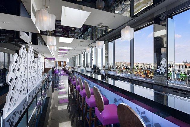 Cloud 9Sky Bar & Lounge