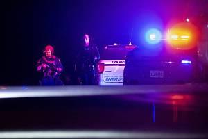 Při střelbě v bowlingovém centru v americkém státě Illinois zemřeli tři lidé, další tři jsou zranění. Ilustrační foto.