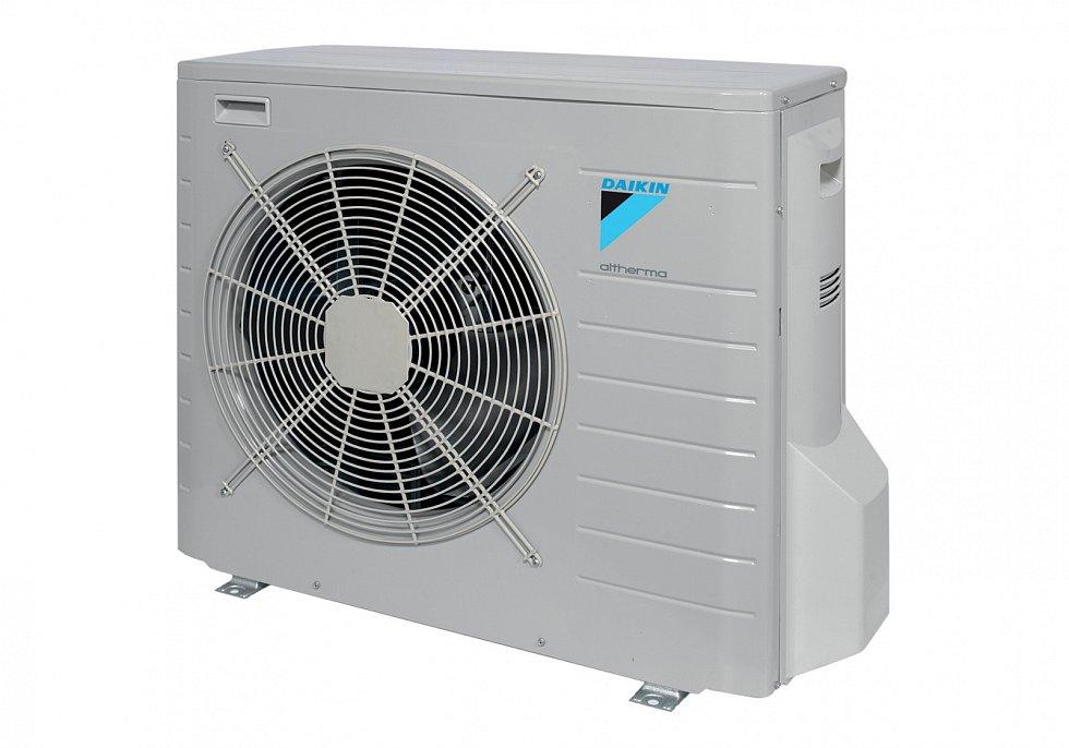 Tepelná čerpadla sice potřebují pro provoz nemálo elektřiny, ale vporovnání sjinou výrobou tepla je to marginální položka.