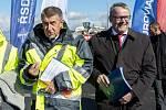Andrej Babiš a Dan Ťok při zahájení výstavby dálničního úseku