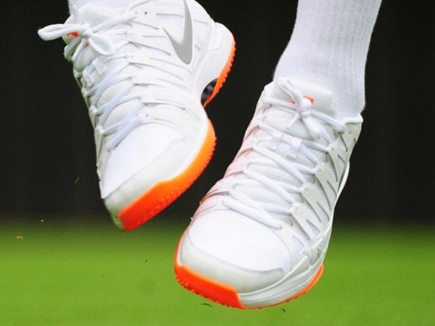 Neposlušné barevné tenistky Rogera Federera.