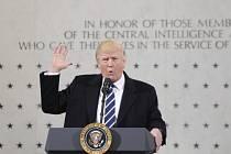 Donald Trump při návštěvě CIA.