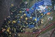 Při požáru výškové budovy v Londýně zasahovalo přes 200 hasičů.