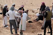 Pohřeb obětí masakru