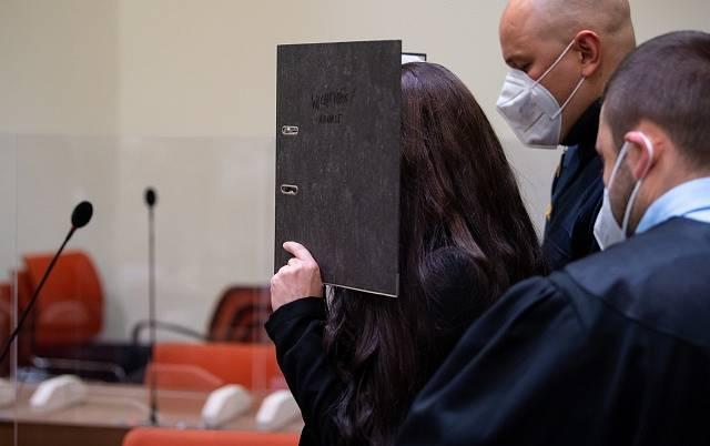 Jennifer Wenischová u soudu.