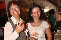NÁVRAT PŘED KAMERU. V Magnuskově filmu si zahraje i Ivana Andrlová (na snímku z roku 2007 s dcerou Michaelou).