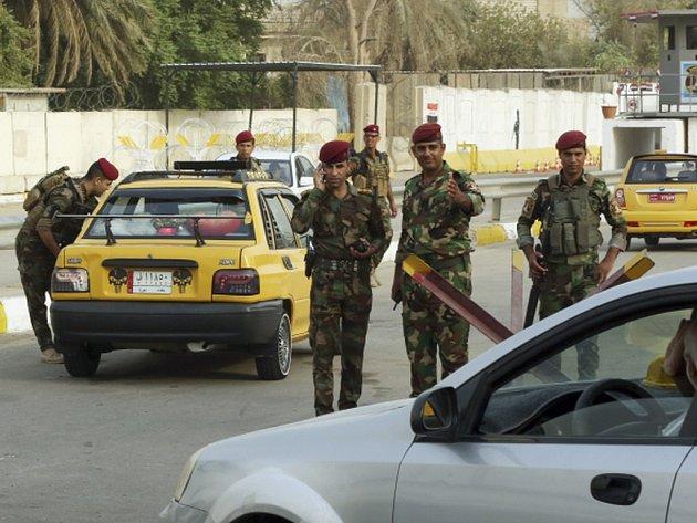 Irácké úřady v souvislosti s vyšetřováním korupce vydaly zatykač na ministra obchodu Milase Muhammada Abdala Karíma a jeho bratra.  Ilustrační foto.