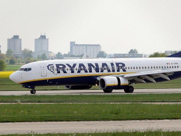 Předčasně přistát muselo v sobotu odpoledne letadlo mířící do londýnského Stanstedu.