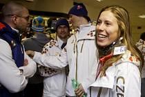 Snowboardistka Eva Samková (vpravo) vyráží na olympiádu do Soči.