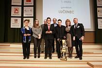 Soutěž ve znalosti nejnovějších dějin vyhráli v Chebu slovenští studenti nad Čechy