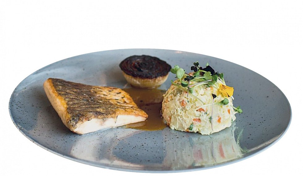 Při návštěvě Třeboňska je prakticky povinné ochutnat čerstvou rybu.
