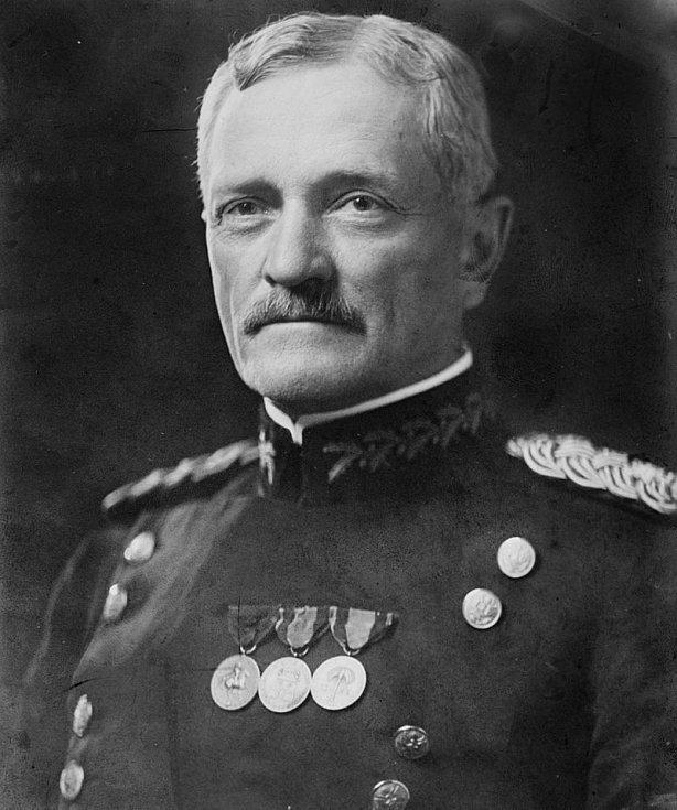 Generál John J. Pershing