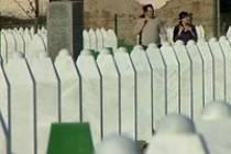 Po obětech srebrenického masakru zůstaly jen hroby. Soud pro válečné zločiny v Sarajevu vyřkl rozsudek sedmi bosenským Srbům, kteří se zúčastnili masakru v Srebrenici.