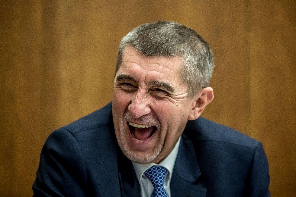 Výsledek obrázku pro Babiš smích