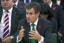 Bývalý šéf britské rozvědky MI6 John Sawers na archivním snímku.