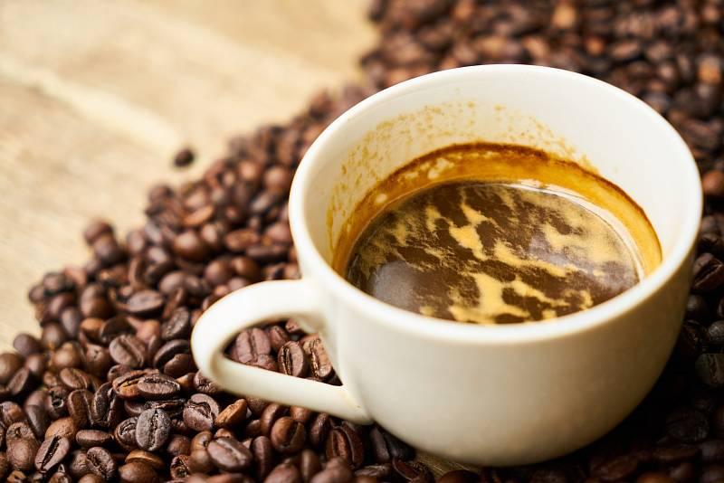 Káva růstu dětí nijak nebrání.
