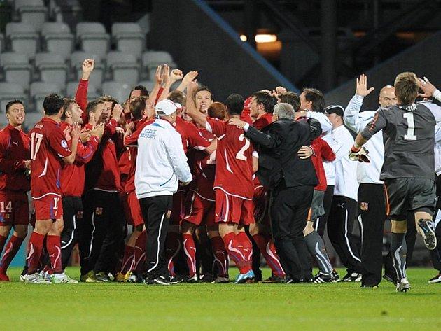 Čeští fotbalisté do jednadvaceti let se radují z postupu do semifinále ME.