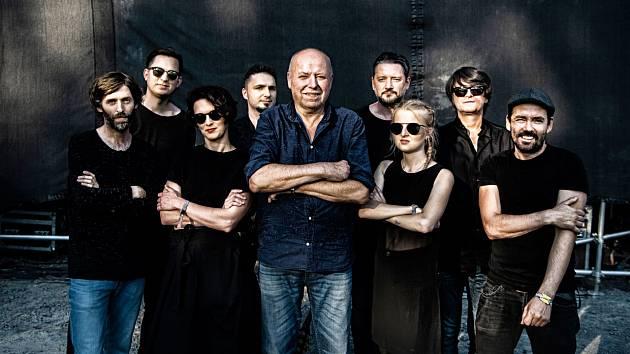 Michal Ambrož a Hudba Praha