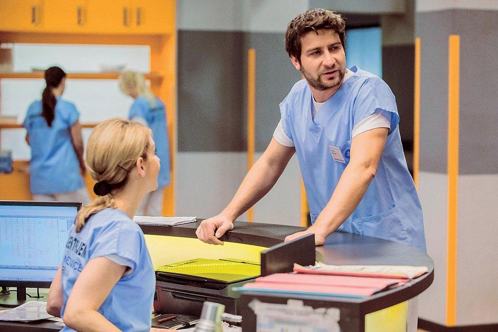 Popularitu Marku Němcovi přinesla hlavně u divaček postava doktora Hofbauera v seriálu Modrý kód.
