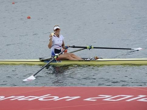 Miroslava Knapková v cíli olympijského závodu.