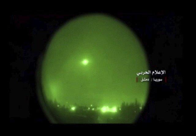 Americká střela letící na Damašek.