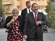 Sociálně demokratický premiér Stefan Löfven s manželkou
