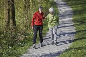 Ani v důchodovém věku by lidé neměli slevit z aktivního života.