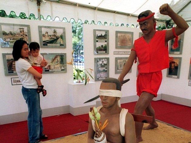Nabalzamovaní sérioví vrazi, znetvořené lidské plody a mučící nástroje – toto si s dovolenou v Thajsku spojuje jen málokdo. Ale přesně na to sází některá muzea thajské metropole.
