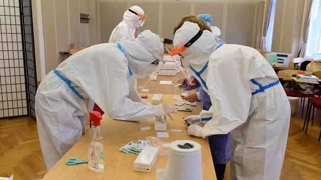 Testování zaměstnanců Univerzity Palackého