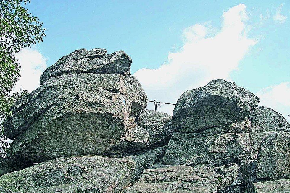 Devět skal: Nejvyšší vrchol Žďárských vrchů azároveň druhý nejvyšší vrchol Českomoravské vrchoviny měří 836 metrů.