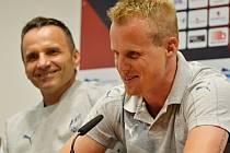 David Limberský (vpravo) a trenér Plzně Karel Krejčí.
