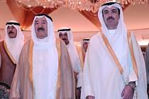 Kuvajtský emír Sabah Ahmada Džábir Sabah (vlevo)