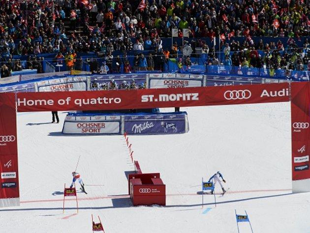 Reto Schmidiger (vlevo) a Dominik Stehle v závodu družstev ve finále SP.