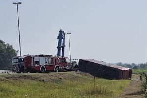 Záchranáři zasahují u nehody autobusu na východě Chorvatska u města Slavonski Brod