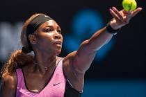 Serena Williamsová překonává vysoké teploty v Melbourne myšlenkami na Hawaj a surfování.
