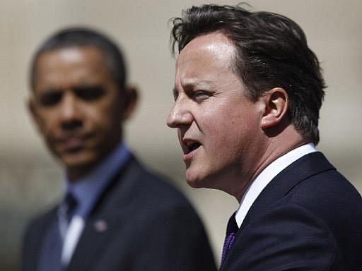 Americký prezident Barack Obama i britský premiér David Cameron ve středu v Londýně zopakovali, že libyjský vůdce Muammar Kaddáfí musí odstoupit a zdůraznili, že neustanou ve vojenském tlaku na jeho režim.