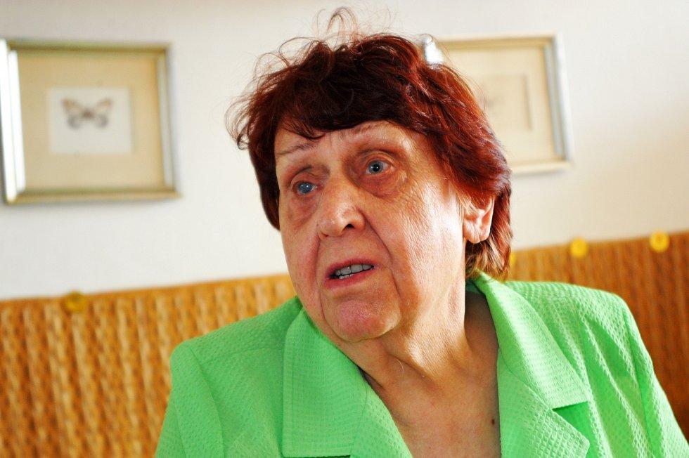 Juliána Lápková v roce 2013 při focení pro Paměť národa