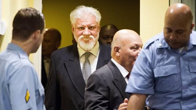 Slobodan Praljak u Mezinárodního tribunálu pro bývalou Jugoslávii v Haagu
