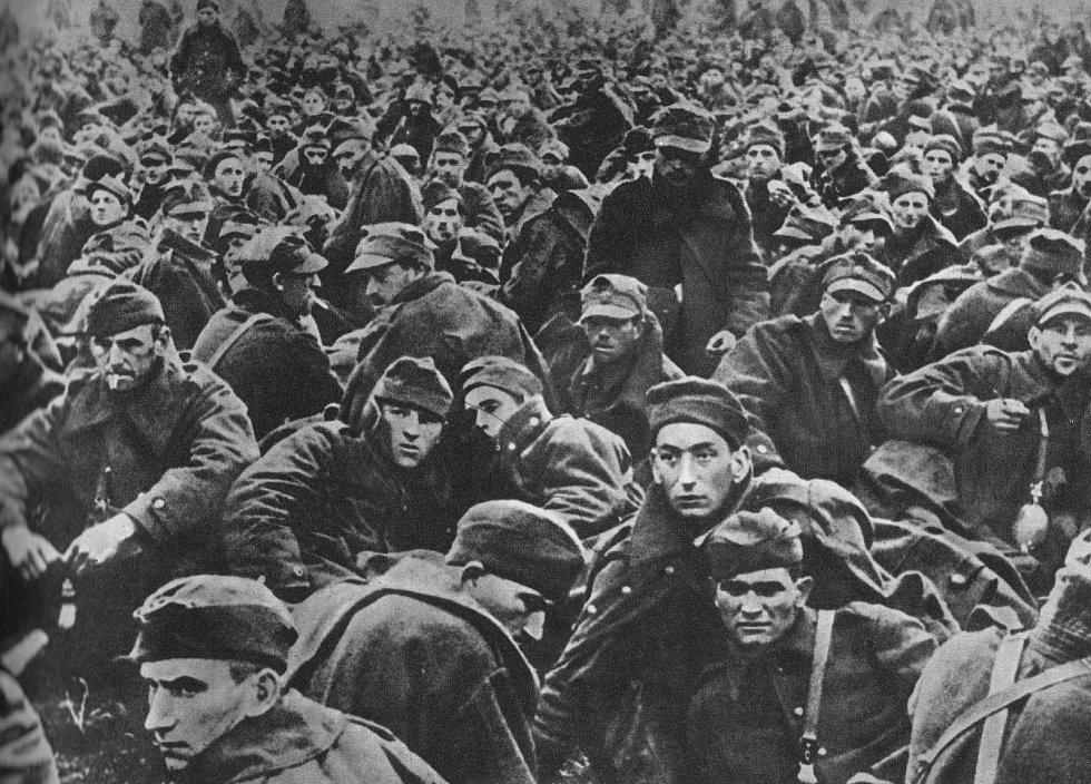 Polští váleční zajatci. Jejich osud byl často velmi krutý