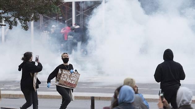 Policie v Montrealu rozhání protesty proti policejnímu násilí v USA